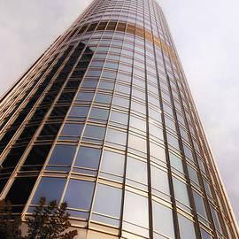Thomas Woolworth - Chicago Sunrays On Trump Tower