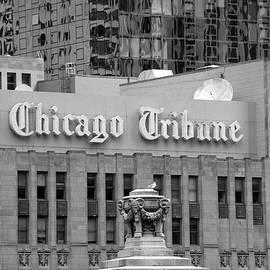 Thomas Woolworth - Chicago Tribune Facade Signage BW