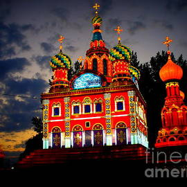 Lingfai Leung - Church of The Savior on Spilled Blood Lantern at sunset