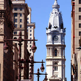 Christopher Woods - Philadelphia City Hall from Broad St