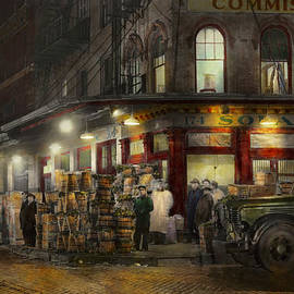 Mike Savad - City - NY - Washington Street Market buying at night - 1952