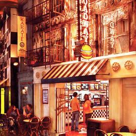 Mike Savad - City - Vegas - NY - Broadway Burger