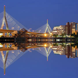 Juergen Roth - Cityscape Reflection of the Boston Zakim Bridge
