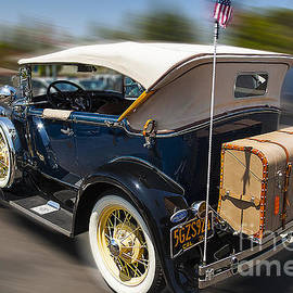 Jerry Cowart - Classic Vintage Shiny 1931 Ford Model A Convertible Car