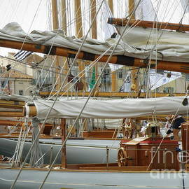 Lainie Wrightson - Classic Wooden Sail Boats