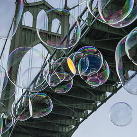 Jean Noren - Cleaning the Bridge with Bubbles