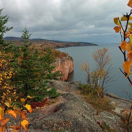 James Peterson - Cliffside Fall Splendor