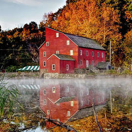 Geraldine Scull   - Clintons Historic Red Mill