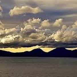 Richard Green - Clouds over Jura