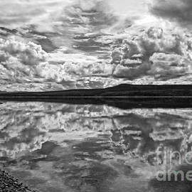 Inge Riis McDonald - Clouds over Teslin Lake