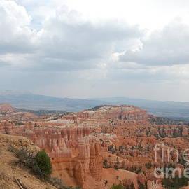 Mari  Gates - Cloudy Canyon