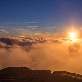 Christopher Whiton - Cloudy Sunburst on Mount Lafayette