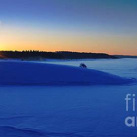 Nina Stavlund - Cold Silence..