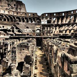 Giorgio Lumaconi - Dramatic Coliseum