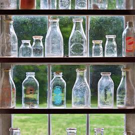 Mike Savad - Collector - Bottles - Milk Bottles