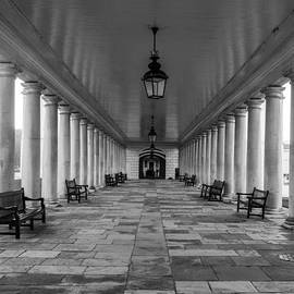 Claire  Doherty - Columns Queens House Greenwich