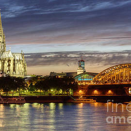 Heiko Koehrer-Wagner - Cologne Cathedral with Rhine Riverside