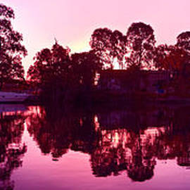 Geoff Childs - Colorful Sunrise Reflections Art  photo download and wallpaper screensaver.