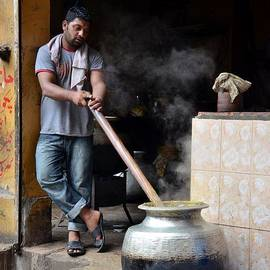 Imran Ahmed - Cooking breakfast early morning Lahore Pakistan