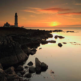 Grant Glendinning - Corsewall Lighthouse Sunset