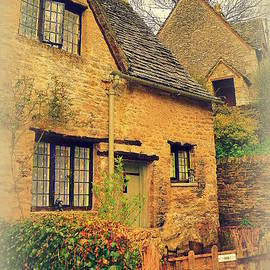 Toni Abdnour - Cottage in The Cotswolds 2