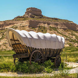 Sue Smith - Covered Wagon at Scotts Bluff National Monument