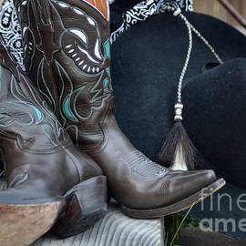 Luv Photography - Cowboy Hat And Cowgirl Boots