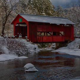 Jeff Folger - Cox brook runs under covered bridge