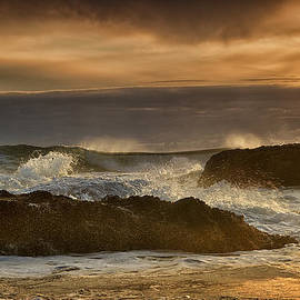 Andrew Soundarajan - Crashing Waves at Sunset