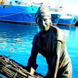 Roberto Gagliardi - Crayfish Fisherman statue in Fremantle Western Australia