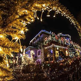 Sven Brogren - Crazy Home Xmas Light Display