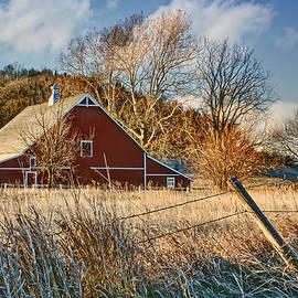 Nikolyn McDonald - Crescent Barn in Winter