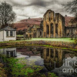 Adrian Evans - Crucis Abbey