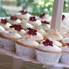 Valerie Loop - Cupcakes