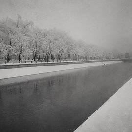 Cristina-Velina Ion - Dambovita river in winter