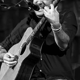 The  Vault - Jennifer Rondinelli Reilly - Dave Matthews on Guitar 1