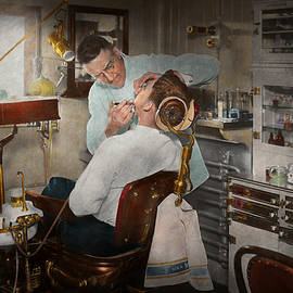 Dentist - The dental examination - 1943