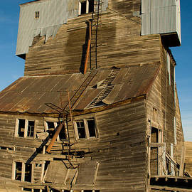 Robert Ford - Derelict old Grain Elevator near Pullman Washington