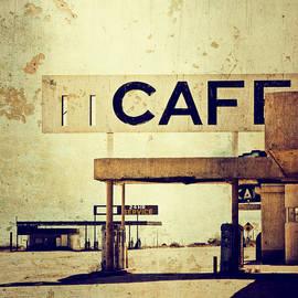 Ellen and Udo Klinkel - Desert Cafe
