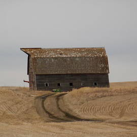 Jeff  Swan - Dirt Road To An Old Leaning Barn