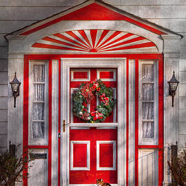 Mike Savad - Door - Winter - Christmas kitty