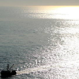 Deborah  Crew-Johnson - Dragging the Sea Behind