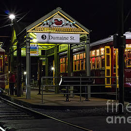 Kent Taylor - Dumaine St. Trolly in New Orleans