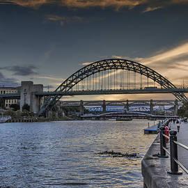 Trevor Kersley - Dusk on the River Tyne