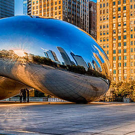 Lindley Johnson - Early Morning Bean in Chicago