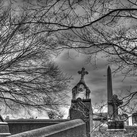 Jennifer Lyon - Eerie Graveyard