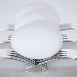 Linda Muir - Egg Balancing