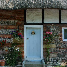 Terri  Waters - Elm Cottage Front Door Nether Wallop