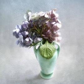 Louise Kumpf - Endless Summer Hydrangea Still Life No 2