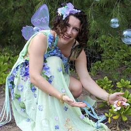 Venetia Featherstone-Witty - Fairy Bubbles
